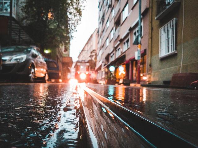 Hindari Genangan Air Agar Mobil Anda Tidak Mengalami Water Hammer