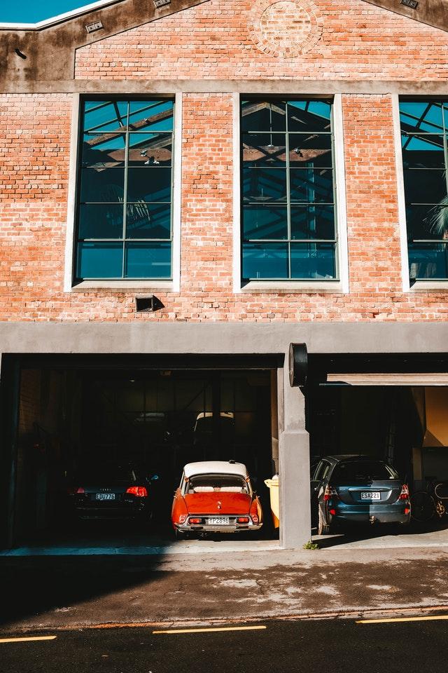 Ingin Parkir Maju Mobil Di Garasi Sempit? Beginilah Caranya!